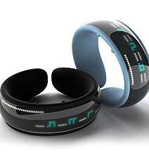 This GPS Bracelet Counts The Miles Until You're Home