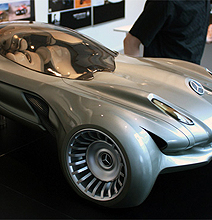 Mercedes Future 2040 Model | No Rolling Wheels?