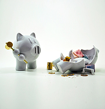 Revenge Of The Piggy Bank: It's Equipped To Destroy Itself!