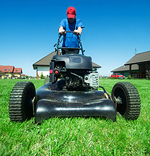 17 Year Old Builds Remote Controlled Lawn Mower