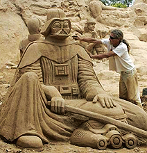 18 Astonishing Star Wars Sand Sculptures