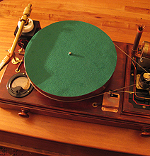 Steampunk: Steam-Powered Turntable Puts The Retro In Cool!