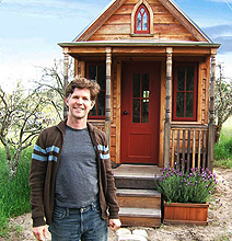 This Is A Tiny Mobile House, But It Has Everything!