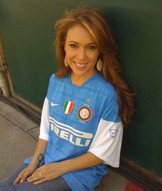 Alyssa Milano Rocks On Twitter