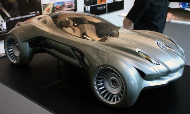 Mercedes Future 2040 Model | No Rolling Wheels?