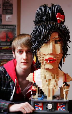 19 Year Old Builds Insane 3,000 Brick Amy Winehouse Bust