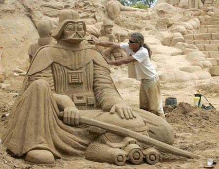 18 Astonishing Star Wars Sand Sculptures