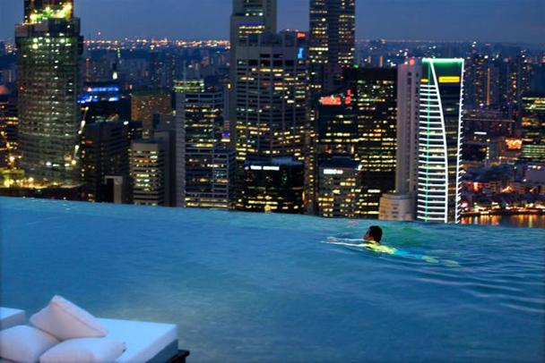 This Rooftop Pool Is A Deadly Swim Bit Rebels