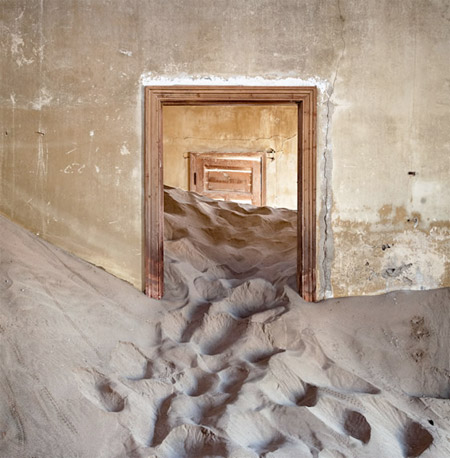 What Happens When You Abandon Your House In The Desert?