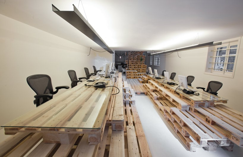 The Pallet Office: Most Recycled Office You've Ever Seen!