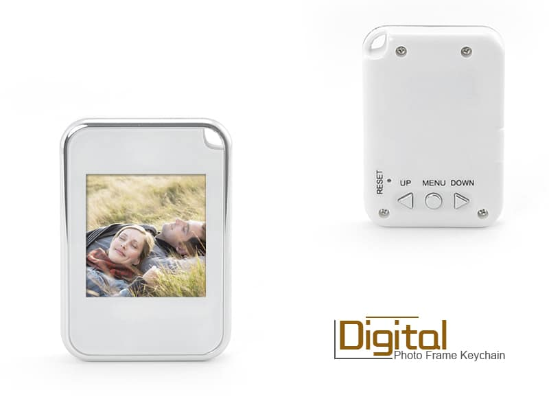 Keychain Digital Photo Frame: Flash Them Photos!