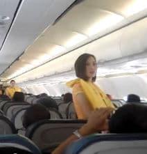 Dancing Flight Attendants Wow Passengers!