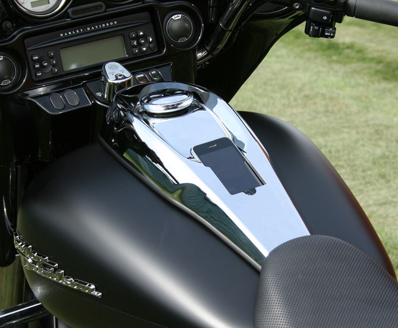DashLink: This iPhone Pimped Harley Is Just Badass!