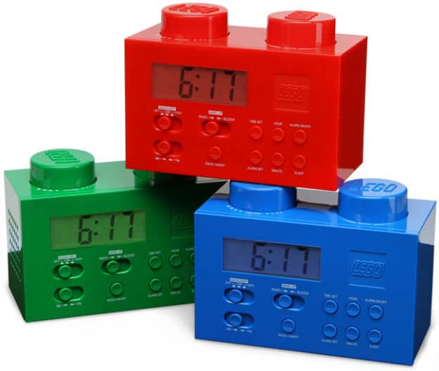 Geeks: Wake Up To This Lego Alarm Clock!