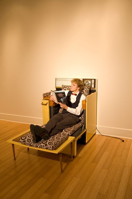 This Oven Lounge Geekifies Your Home Like Nothing Else!