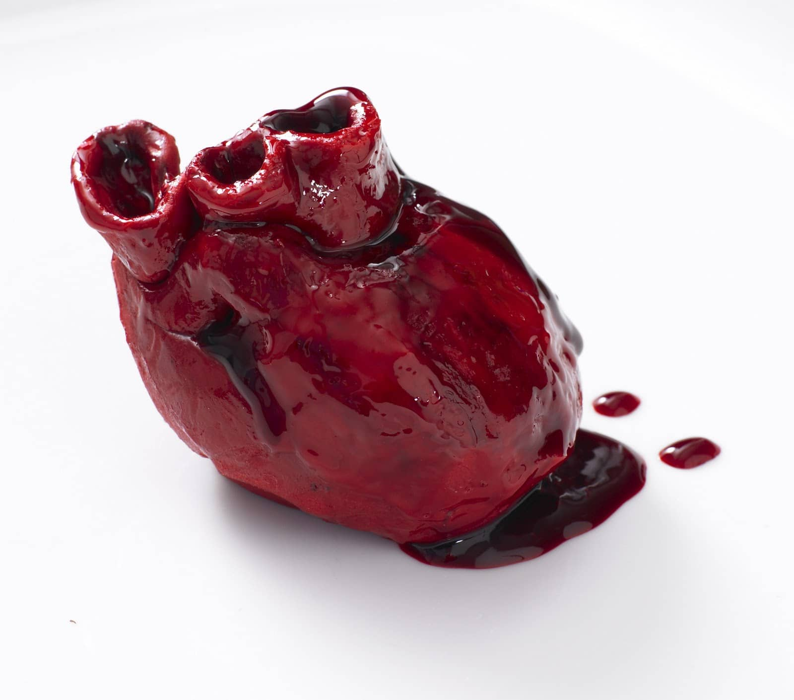 Bleeding Heart Cake: Perfect Gift Idea For Your Valentine