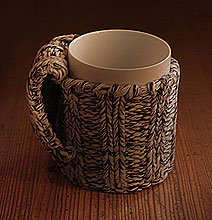 Design: Cozy Knitted Sweaters For Your Coffee Mugs