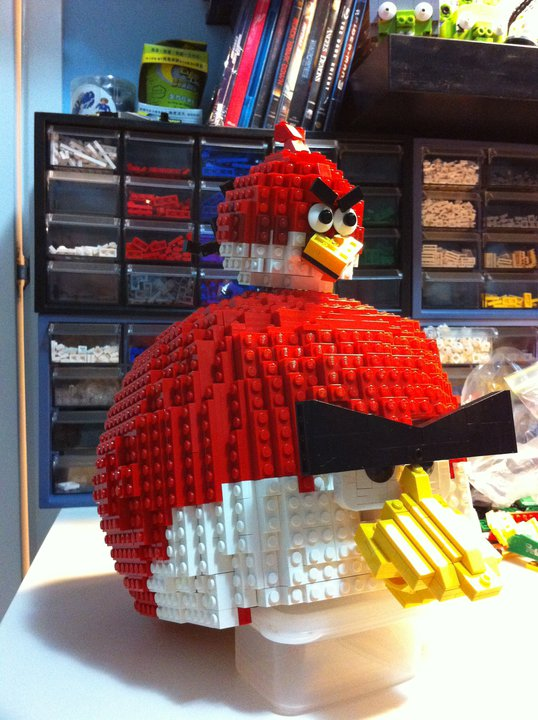 Gigantic Angry Birds Lego Build