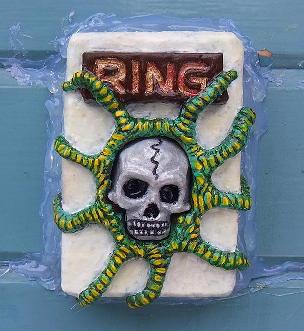 How To: Make A Super Sweet Plastic Skull Doorbell