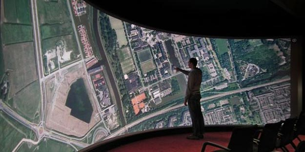 University Makes Biggest Touchscreen Ever
