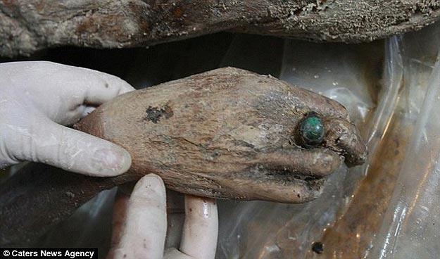 700 Year Old Mummy Found