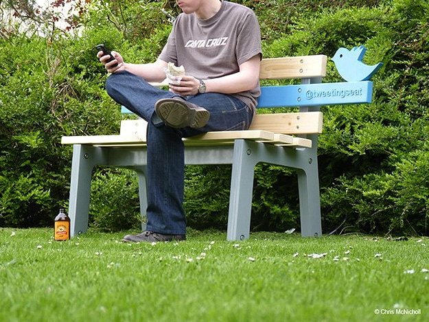 Park Bench Tweets and Twitpics