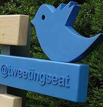 TweetingSeat: The Park Bench That Twitpics & Tweets You