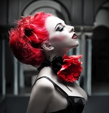 Creative Photography: Dramatic Effects Of Red & Black
