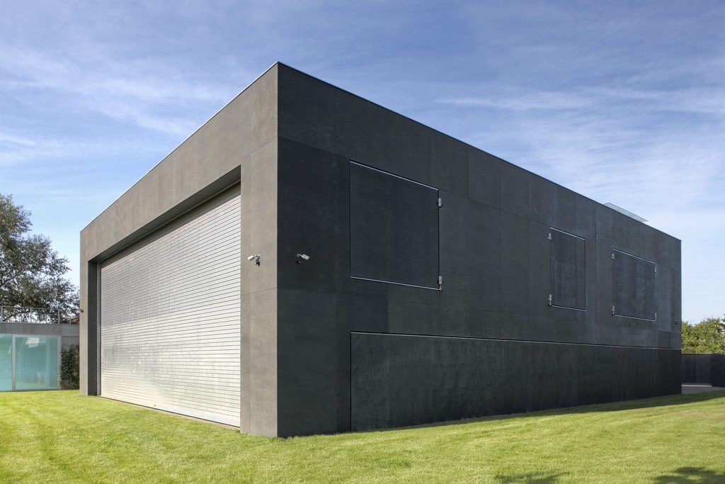 World's Most Secure House: A Zombie Bunker