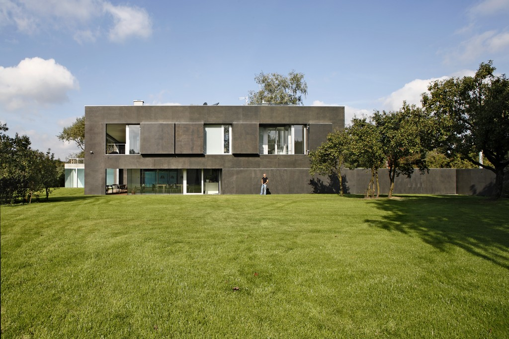 World 39 S Most Secure House A Zombie Bunker On Secure Home Designs