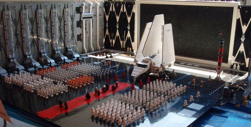 Epic Lego Star Wars Arrival