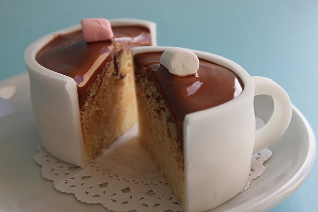 Foodies: Creative Hot Chocolate Cupcake Design