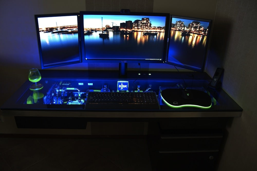 PC Computer Desk Mod Customization