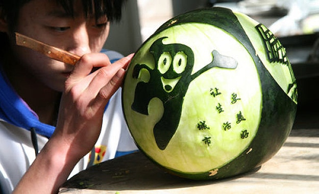 Amazing Carved Watermelon Sculptures