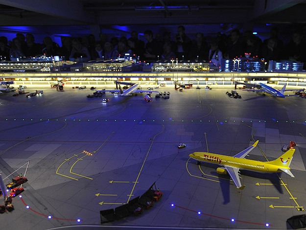 Model Airport Design Like Hamburg