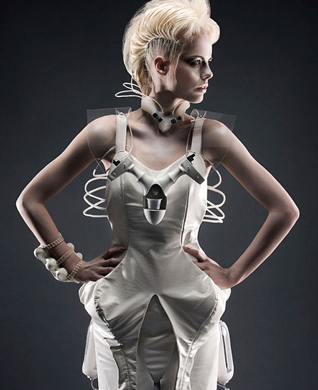 Technology Fashion: The Geeky Dress That Mixes Drinks