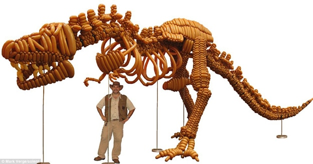 Tyrannosaurus Huge Balloons Statue