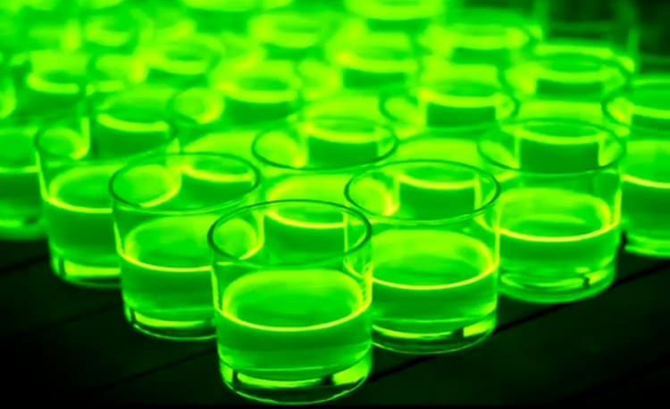 Mad Glow Stick Experiment Video