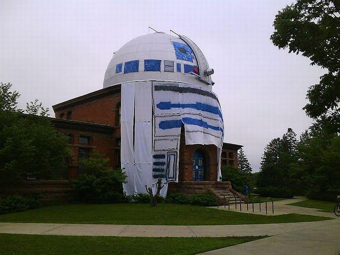 Giant R2-D2: Best College Observatory Prank Ever