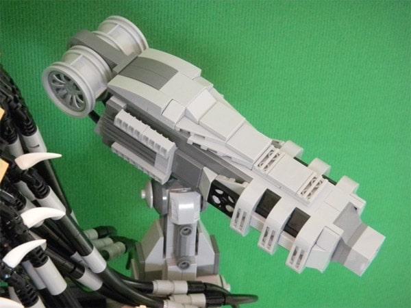 Predator Lego Bust Portrait Build
