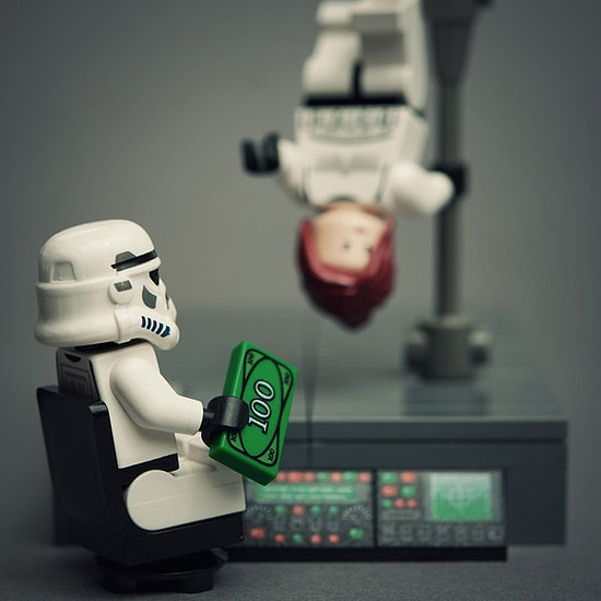 Lego Star Wars Figures In Real Life Situations [11 Pics]