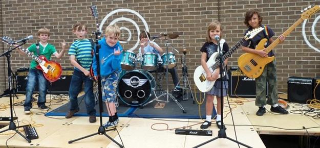 UK Rock Group Of Children