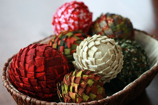 Make Pinecone Christmas Ornament