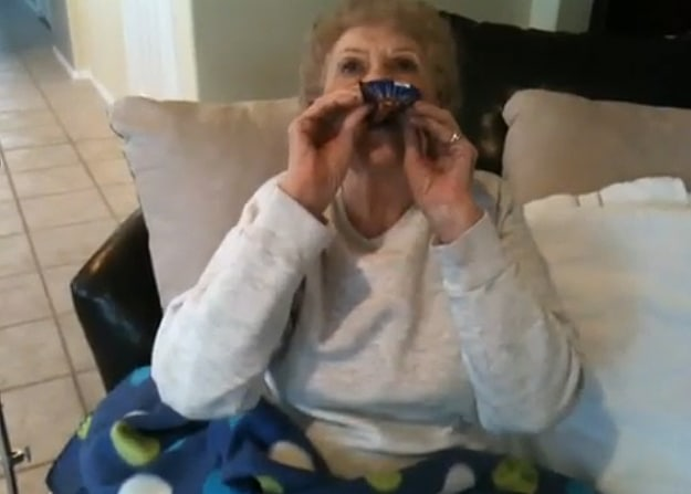Your Daily Cute: Grandma Tries Pop Rocks For The First Time