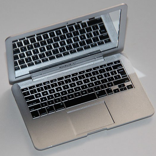 MirrorBook Air Laptop Lady Accessory