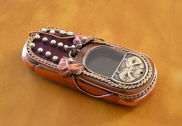 7 Cell Phone Steampunk Customizations