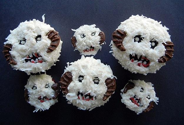 Snow Monster DIY Cupcakes