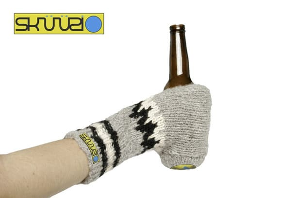 The Skuuzi Beer Party Glove