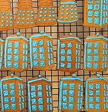 DIY TARDIS Cookies Made With 3D Printed Cookie Cutters