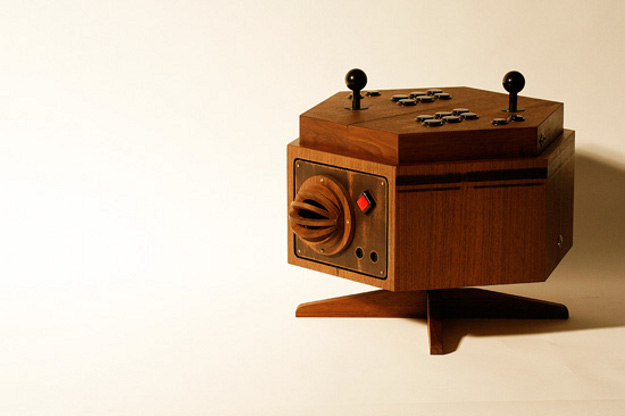 Love Hulten's R-Kaid-6 MAME Console